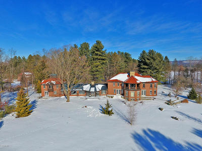 Main Photo: 46 Bow Wow Rd, Egremont, MA 01258