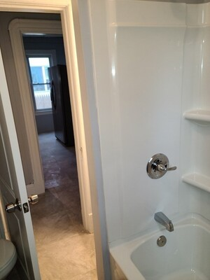 100 Northampton Avenue, Springfield, MA 01109 - Photo 3
