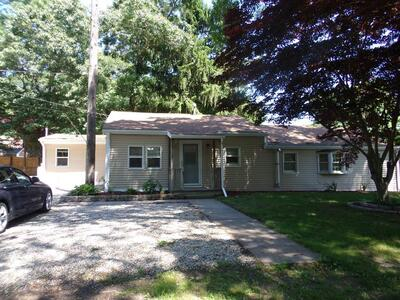 Main Photo: 8 Martel St, Acushnet, MA 02743