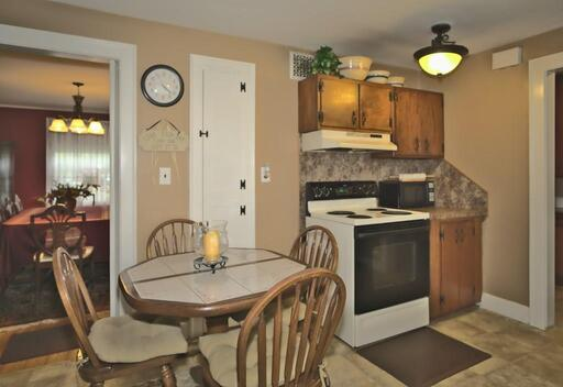 21 Buckingham Pl, Springfield, MA 01109 - Photo 3