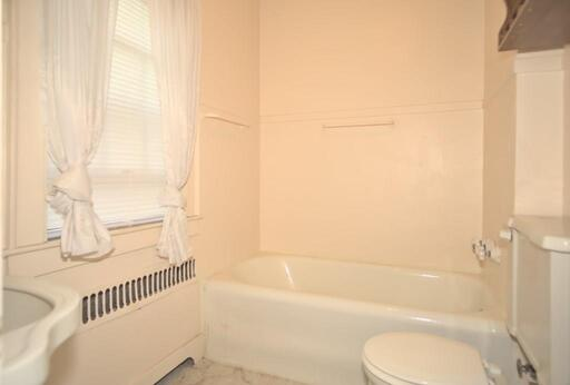 21 Buckingham Pl, Springfield, MA 01109 - Photo 23