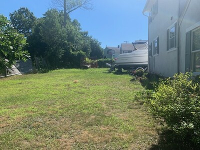 18 East Mountain St, Worcester, MA 01606 - Photo 1