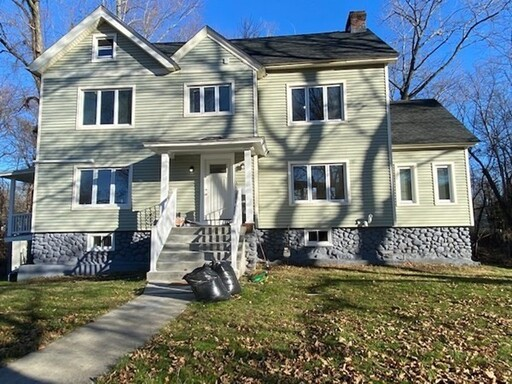 12 Creswell Rd, Worcester, MA 01602 - Main Photo