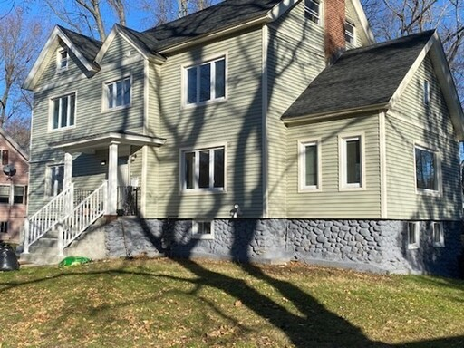 12 Creswell Rd, Worcester, MA 01602 - Photo 1