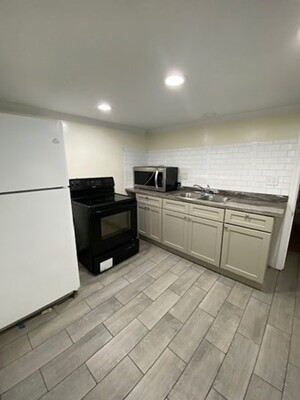 12 Creswell Rd, Worcester, MA 01602 - Photo 19
