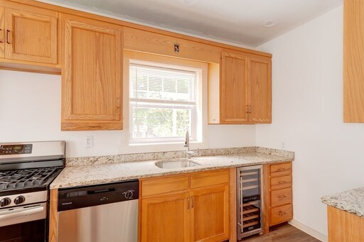 690 Pleasant Street, Worcester, MA 01602 - Photo 4
