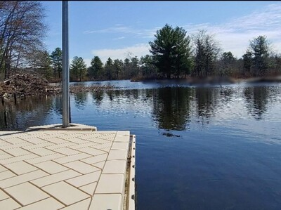 Main Photo: 28 Black Point Rd, Webster, MA 01570