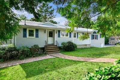 Main Photo: 1 Fairview Ave, Bedford, MA 01730