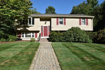 Main Photo: 5 Bridle Ln, Easton, MA 02375