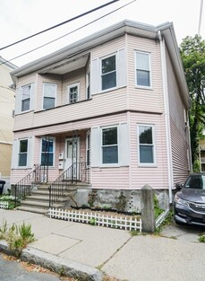 Main Photo: 44 Kinnaird St, Cambridge, MA 02139