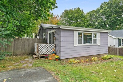 Main Photo: 6 Edgewood Rd, Holbrook, MA 02343