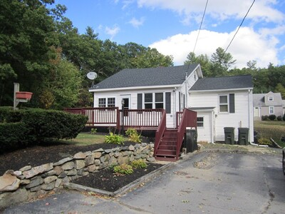 Main Photo: 383 Mendon St, Uxbridge, MA 01569