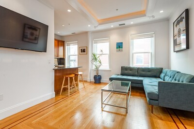Main Photo: 73 Myrtle St Unit 5, Beacon Hill, MA 02114