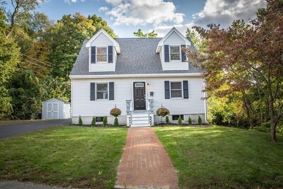 Main Photo: 15 Noonans Ln, Holbrook, MA 02343