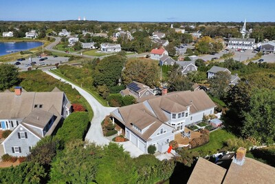 Main Photo: 71 Stage Harbor Rd, Chatham, MA 02633