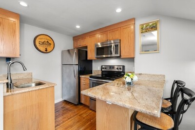 Main Photo: 75 Charles St Unit 5B, Beacon Hill, MA 02114