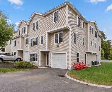 Main Photo: 34 Webster St Unit 3, Needham, MA 02492