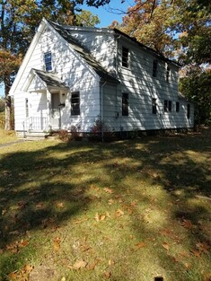 Main Photo: 34 Stoughton Ave, Webster, MA 01570