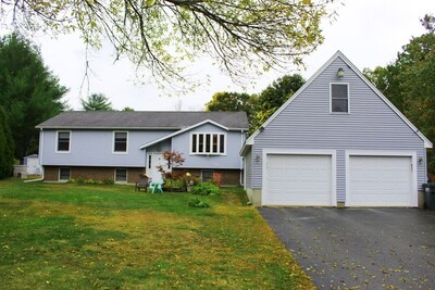Main Photo: 8 Evergreen Dr, Webster, MA 01570