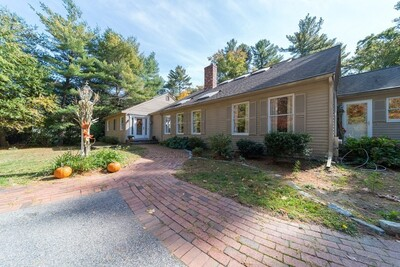 Main Photo: 17 Lyman Wheelock Road, Easton, MA 02375