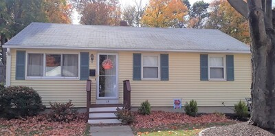 Main Photo: 15 Roseen Rd, Holbrook, MA 02343