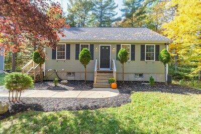 Main Photo: 470 South St, Holbrook, MA 02343