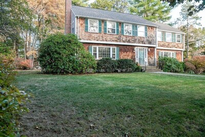 Main Photo: 15 Old Stagecoach Rd, Bedford, MA 01730