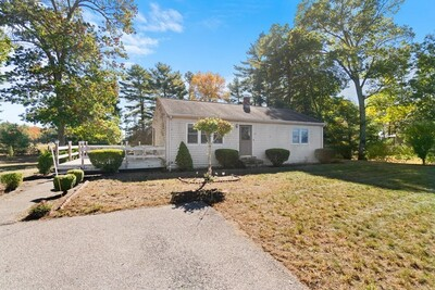 Main Photo: 15 Fosdick Rd, Carver, MA 02330