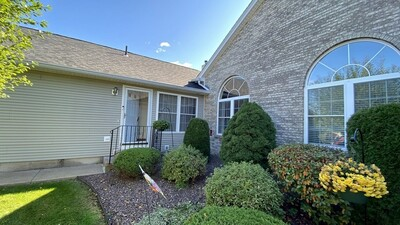 Main Photo: 28 Castle Hill Rd Unit D, Agawam, MA 01001