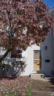Main Photo: 140 Autumn Unit D, Agawam, MA 01001
