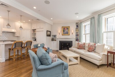 Main Photo: 4 W Hill Pl Unit 1, Beacon Hill, MA 02114