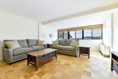 Main Photo: 2 Hawthorne Place Unit 15C, Beacon Hill, MA 02114