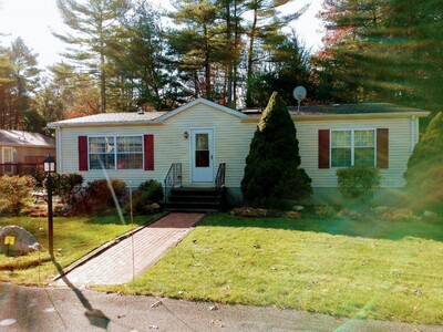 Main Photo: 28 Melanie Ln, Carver, MA 02330