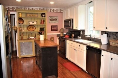 22 Orchard Rd, Holden, MA 01520 - Photo 1