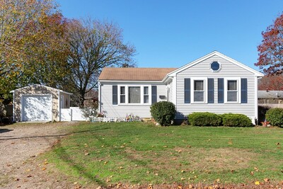 Main Photo: 24 Saint Anthony Ln, Falmouth, MA 02536