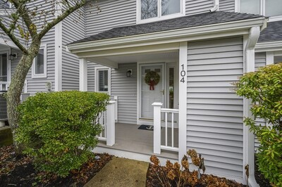 Main Photo: 104 Westcliff Dr Unit 104, Plymouth, MA 02360