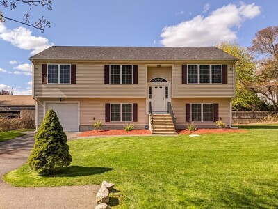 Main Photo: 19 Hayes St, Acushnet, MA 02743