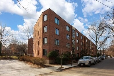 Main Photo: 86 Griggs Unit 3, Brookline, MA 02446