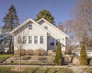 Main Photo: 19 Pinette St, New Bedford, MA 02740