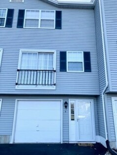 Main Photo: 4 Waters Edge Unit 4, Ludlow, MA 01056