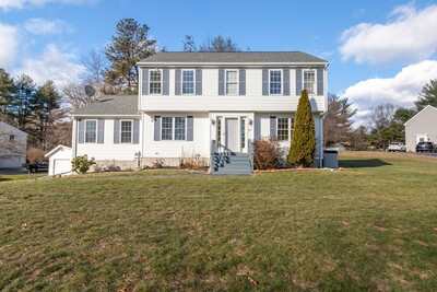 Main Photo: 30 Heritage Rd, Uxbridge, MA 01569