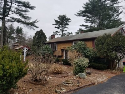 Main Photo: 10 Surrey Dr, Plymouth, MA 02360