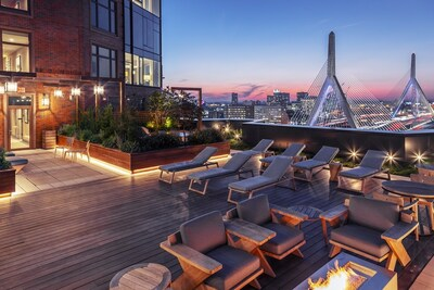 Main Photo: 100 Lovejoy Wharf Unit 11D, Beacon Hill, MA 02114