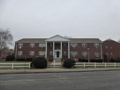 Main Photo: 20 Regency Park Dr Unit 20, Agawam, MA 01001