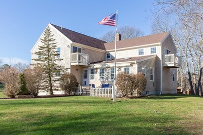 Main Photo: 10 Oak Bluff Circle, Plymouth, MA 02360