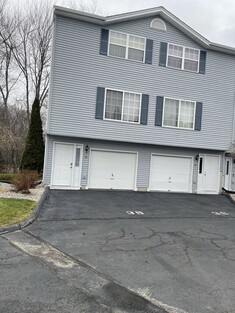 Main Photo: 35 Waters Edge Dr Unit 35, Ludlow, MA 01056