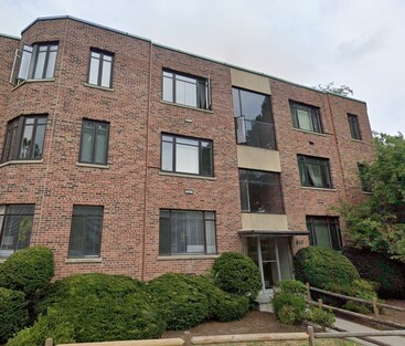 Main Photo: 563 Washington St Unit 26, Brookline, MA 02446