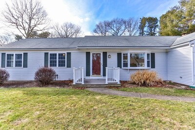 Main Photo: 447 Prince Hinckley Rd, Barnstable, MA 02632
