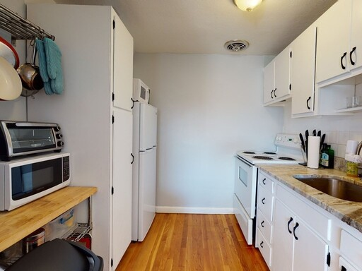 205 Kent St Unit 45, Brookline, MA 02446 - Photo 9