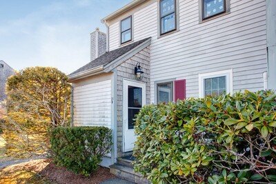 Main Photo: 31 Woodview Dr Unit B, Falmouth, MA 02540